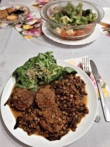 Weganskie kotlety soczewica na parze potrawy przepisy sprawdzone menu wegetarianskie vege vegan jarskie jedzenie przysmak