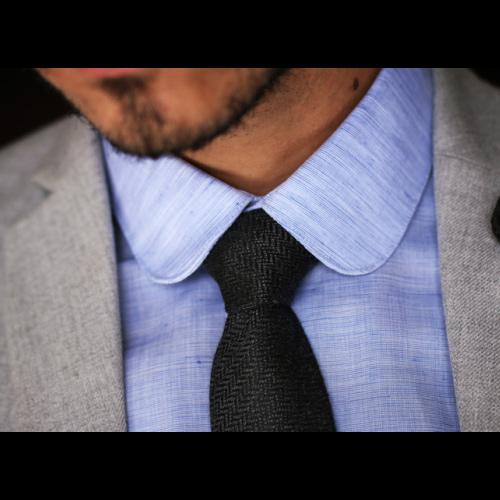 黒ネクタイ グレージャケット スーツ