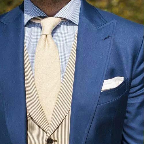 白ネクタイ ブルースーツ 結婚式