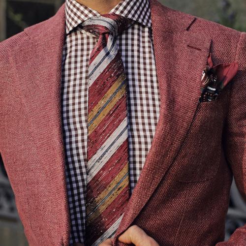 赤ストライプネクタイ