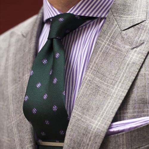 ストライプシャツと小紋ネクタイ