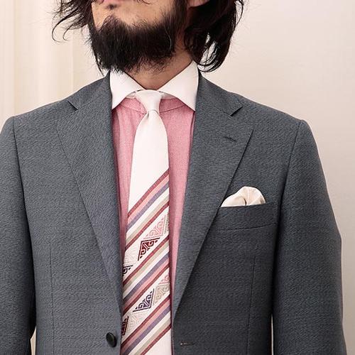 ピンクネクタイと同系色のシャツ3