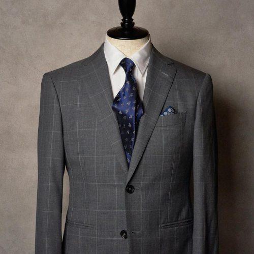 グレーのスーツとネクタイ