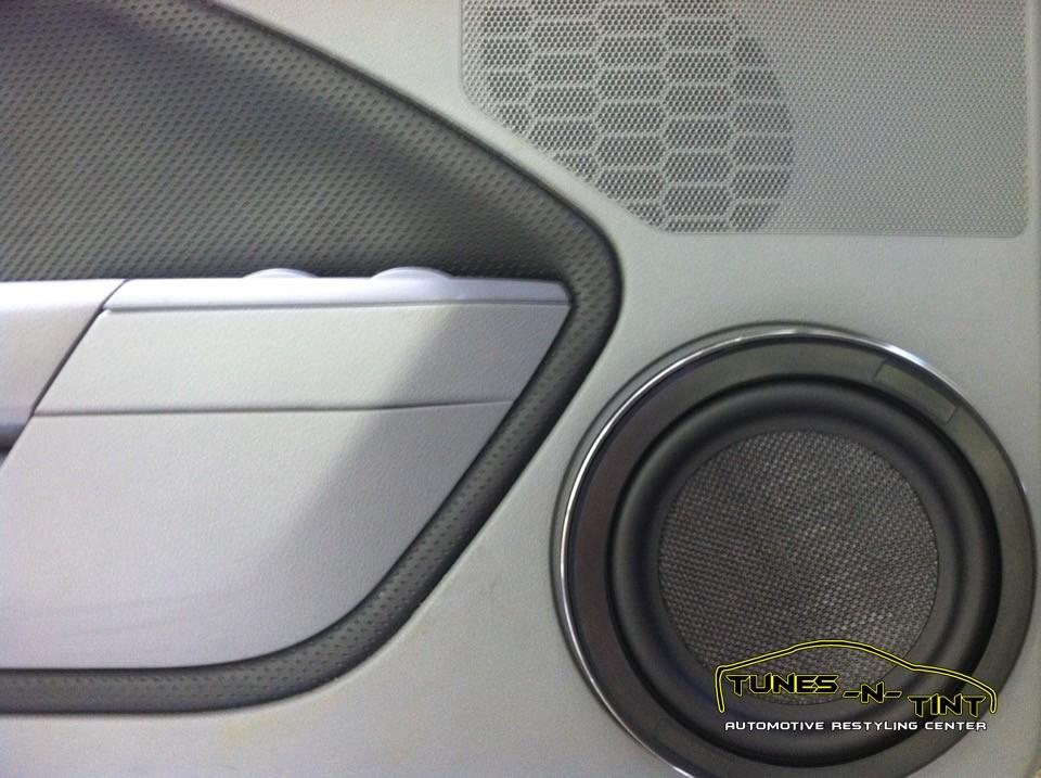 2006 Ford Mustang 8in Door Speaker Tunes N Tint