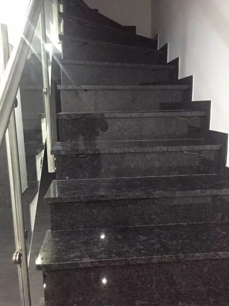 Noir absolut 500 TND /m²