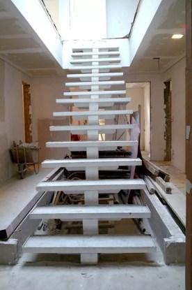 escalier flottant direct beton coulé mono portique
