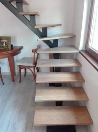 escalier flottant quard de rond mono portique soudé