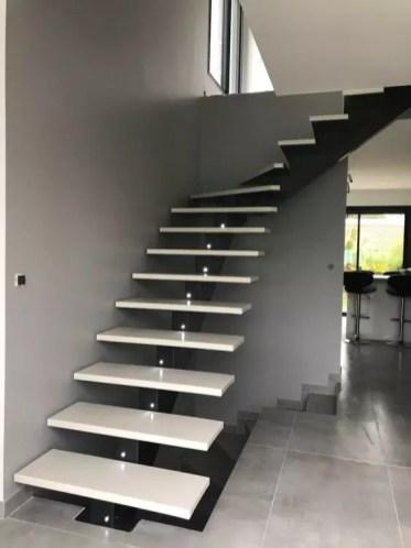 escalier flottant quard de tour mono portique