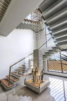 escalier moderne travertino grey
