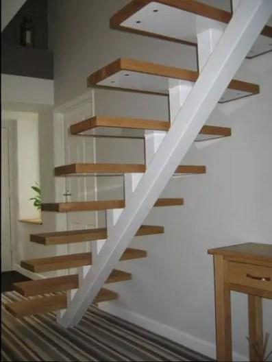 structure tubulaire escalier flottant 02