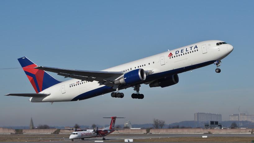Delta_Air_Lines_B767-3P6-ER_N1501P_EDDS_2011