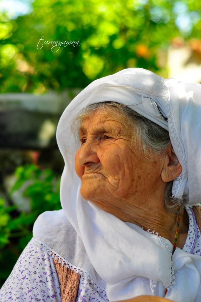 Turan YAMAN - Yılların Yorgunluğu - 2013 - Zeytinalanı Köyü
