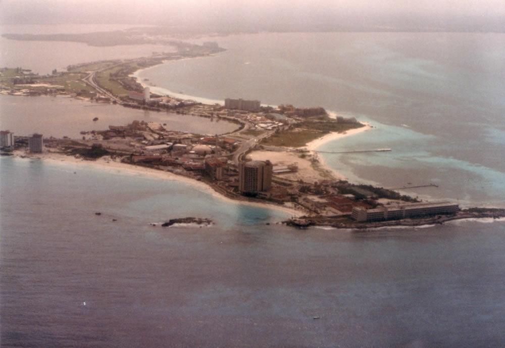 Cancún Retro