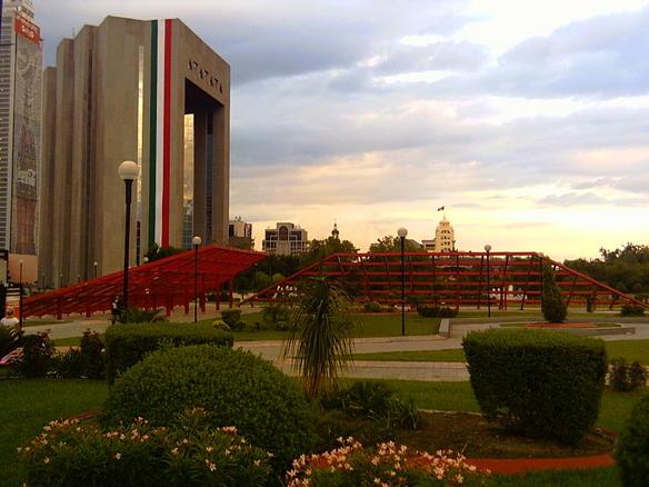 La Macroplaza, Nuevo León