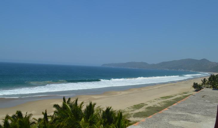 Playa Larga, Guerrero
