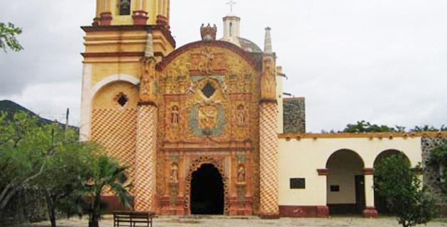Templo de San Miguel Arcángel, Querétaro