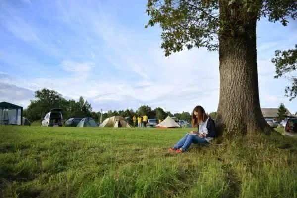 Saltum Strand Camping vil gerne sløjfe pladser til campingvogne og telte for at få lov til at opføre sommerhuse. (Arkivfoto)