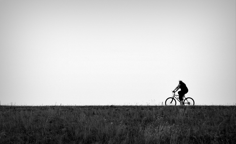 Et nyt initiativ på Fyn sørger for, at cykelturister kan få deres bagage transporteret fra sted til sted. (foto: Pxhere CC0 public domain)