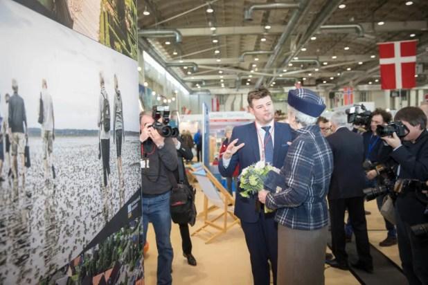 HKH Prinsesse Benedikte i samtale med Mads Schreiner, direktør for VisitDenmark i Tyskland. (Foto: Stefanie Mayer/VisitDenmark)