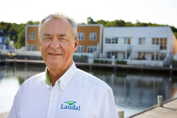 """""""I Landal GreenParks er gæsternes tilfredshed et stort fokusområde, og vi håber, at vi som en del af Landal GreenParks vil kunne tiltrække gæster fra især Tyskland og Holland, som kender Landal-oplevelsen, og som vil opleve vores helt særlige maritime miljø,"""" siger Kaj Jensen, general manager, Landal Ebeltoft. (Foto: Turisme.nu)"""