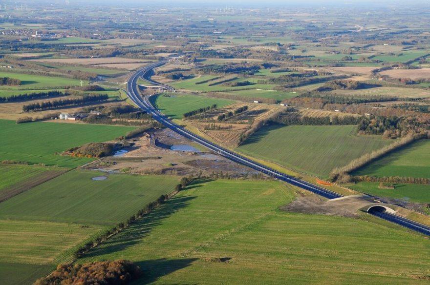 I Lemvig har man store forhåbninger til, at den nye motorvej mellem Herning og Holstebro vil gøre det mere attraktivt at leje eller købe sommerhus i Lemvig-Thyborøn. (Foto: Vejdirektoratet)