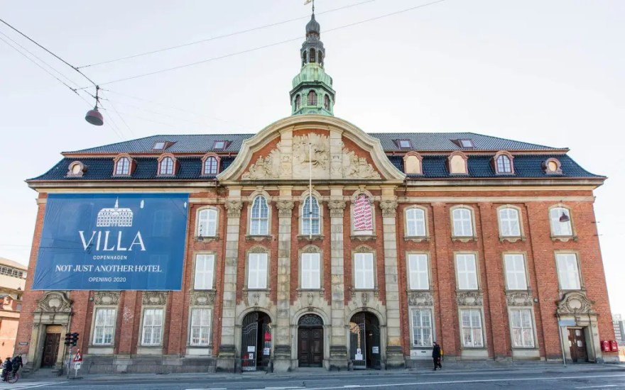Et af Københavns nye hoteller, Hotel Villa ved Hovedbanen, skulle egentlig have slået dørene op den 1. april, men åbningen er nu udskudt.