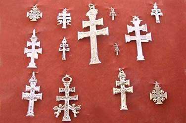 Tradición de Regalar Cruces de Caravaca