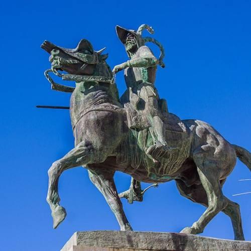 Plaza Mayor de Trujillo estatua de Francisco Pizarro