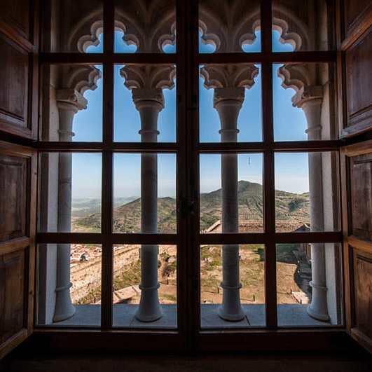 Castillo de Feria asomados por la ventana