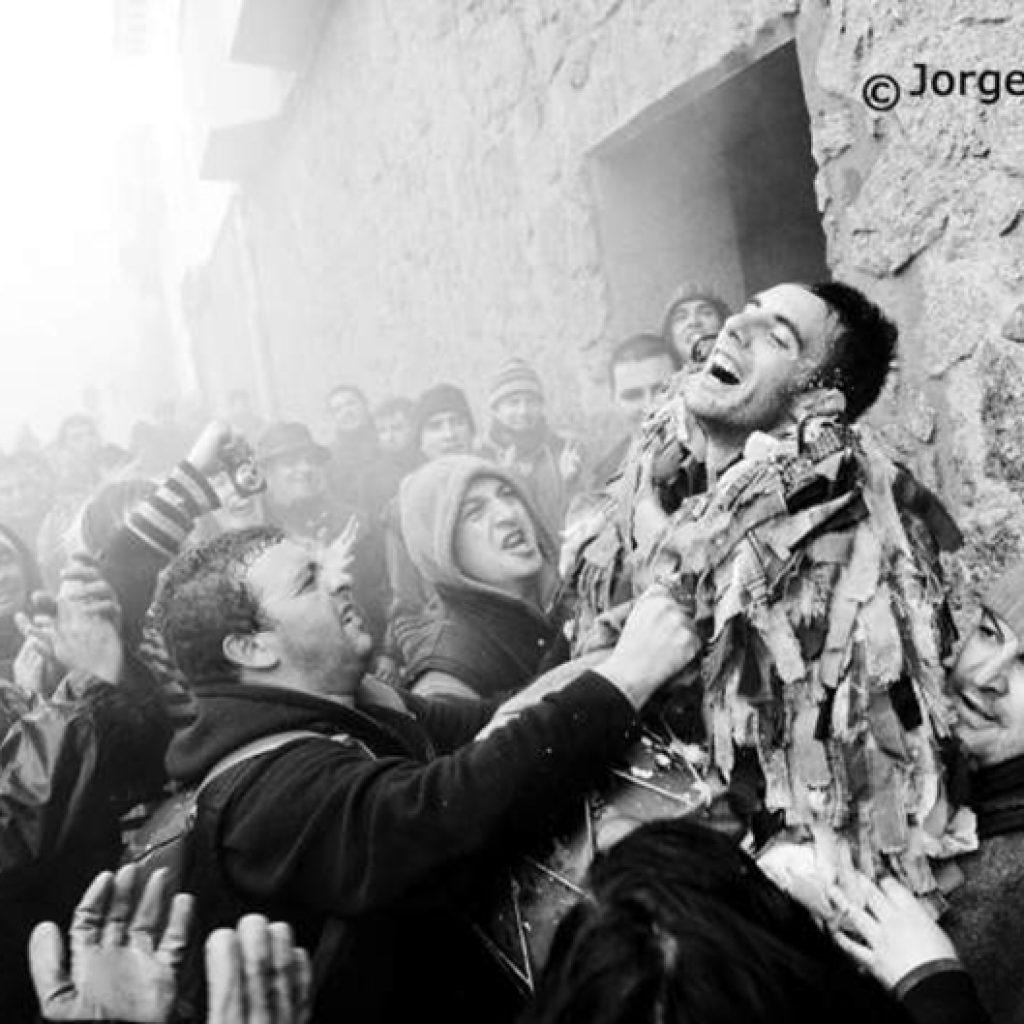 Qué Es El Jarramplas Y En Qué Consiste Turismo En Extremadura