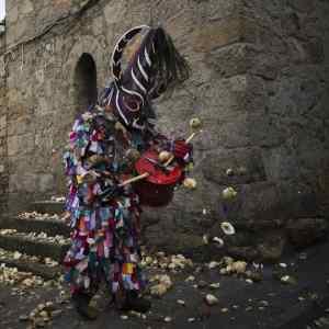 Jarramplas toca el tamboril