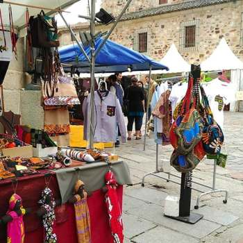 Mercado global de artesanía del Festival Womad de Cáceres