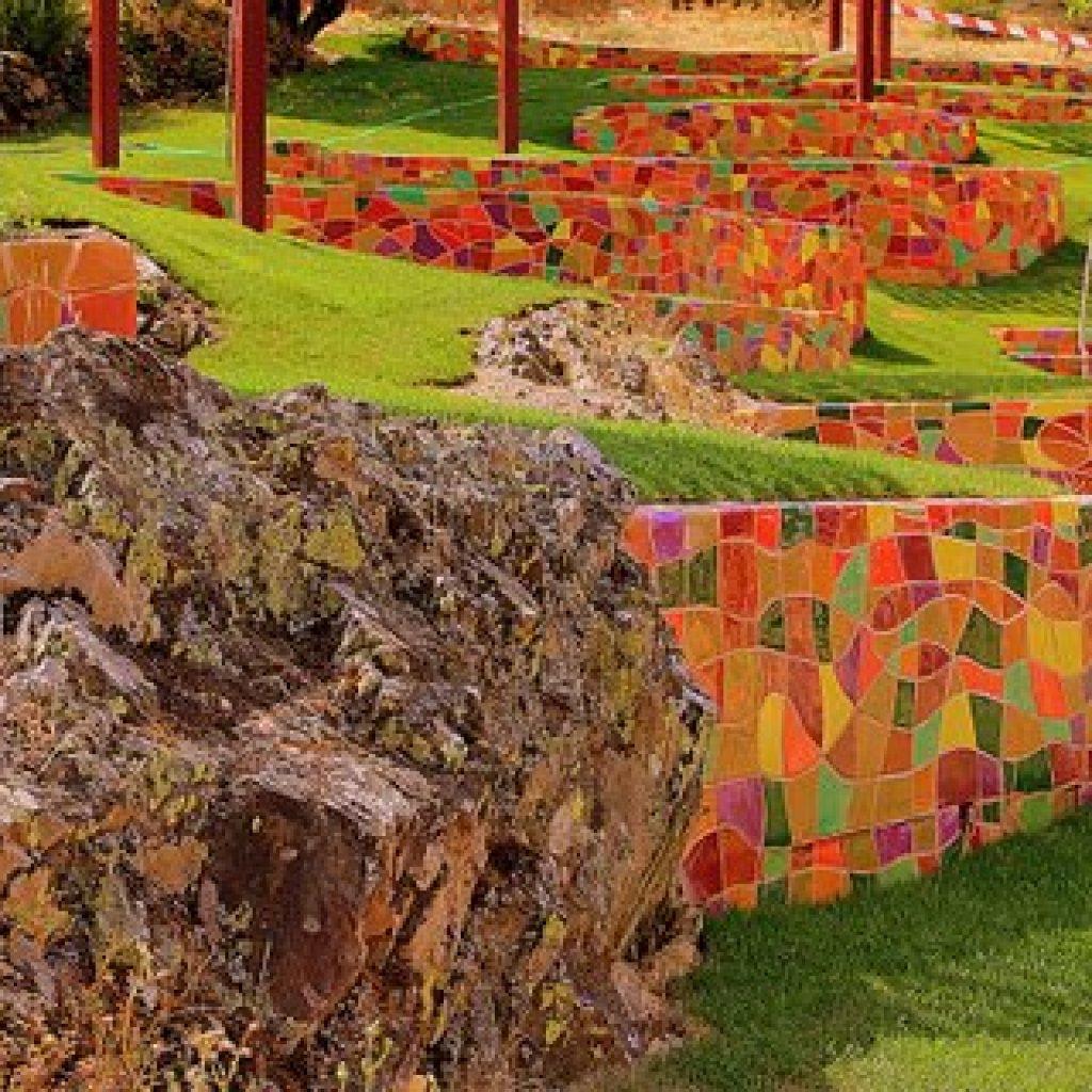 La pisicna natural más colorida de Extremadura Descargamaría