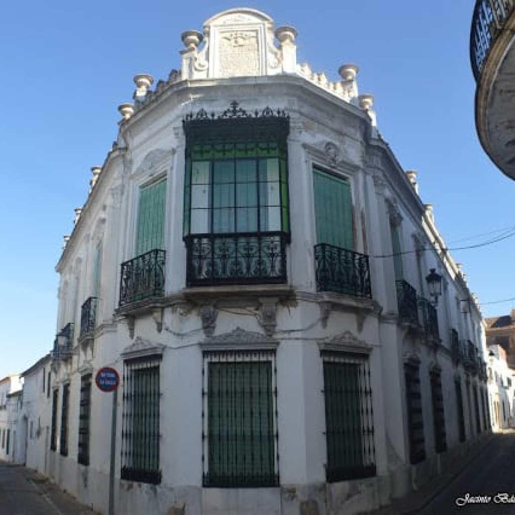 Calles-típicas-arquitectura-palacios-fregenal-de-la-sierra