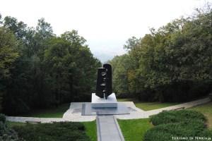 MONTE AVALA: Monumento ai Veterani di Guerra Sovietici