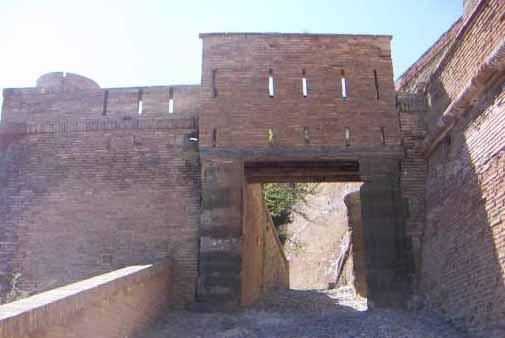 El Castillo de Monzon en Huesca 3