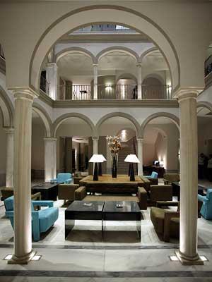 Semana Santa en Sevilla con High Tech Hoteles 1