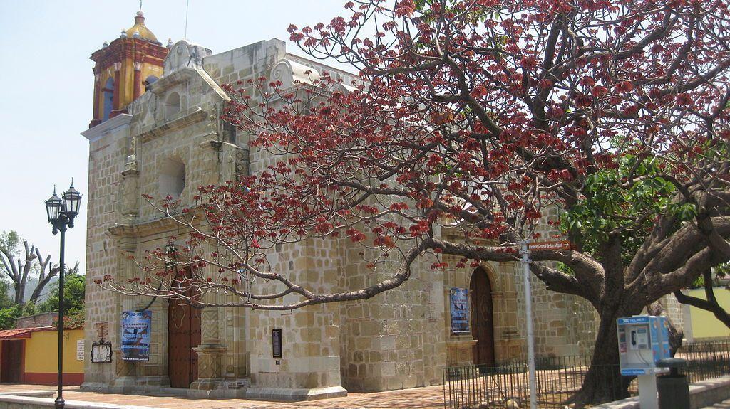 Por qué visitar Oaxaca en México Templo de San Matias Jalatlaco