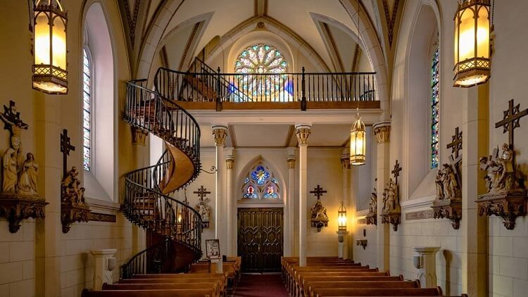 Vista del Coro de la Milagrosa Capilla de Loreto