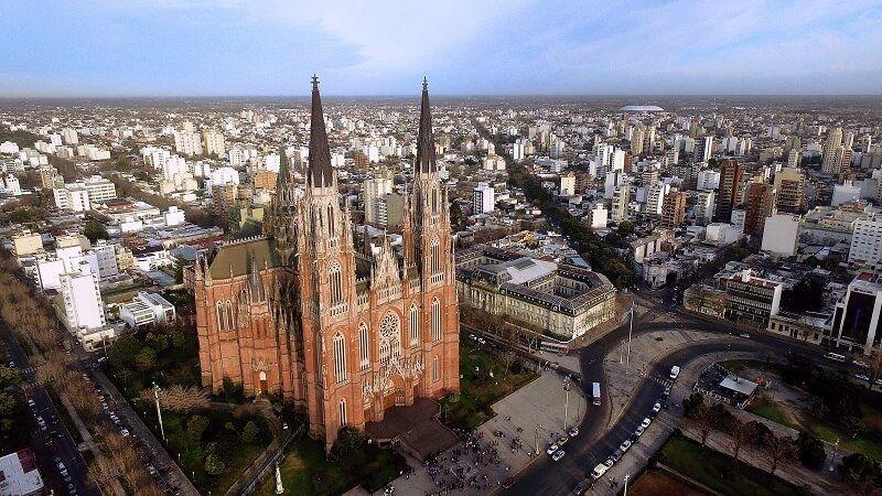 vista aerea de la catedral de la plata