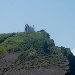Sobre el acantilado, Ermita de Guía