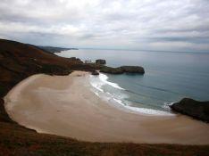Torimbia, Playa virgen en Llanes