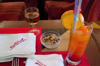 %name Conhecendo o pitoresco restauranteCafé de São Bento em Lisboa