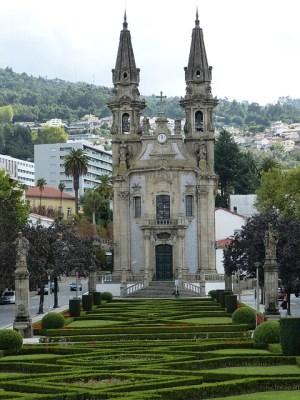guimaraes 226076 640 300x400 Visita rápida em Guimarães   Portugal