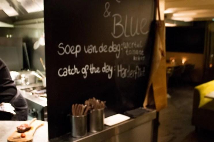 %name Jantarzinho no Black and Blue em Amsterdam