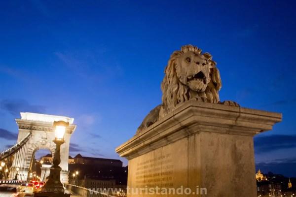 Budapeste Chain Brigde with leon 1024x683 As mais lindas pontes da Europa que atravessei