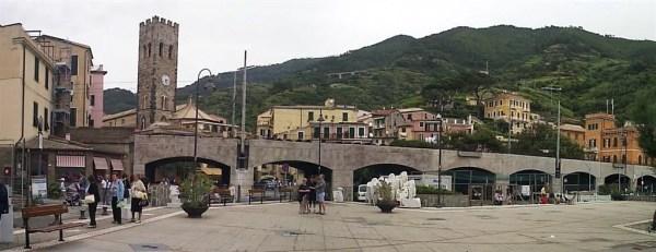 """Giro in Battello 02giu08 7 Monterosso 77 600x231 Top5: 5 destinos para curtir o verão: """"Cinque Terre"""" na Itália"""