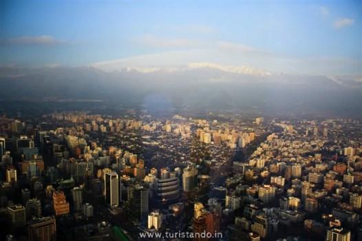 Mirante SKY Costanera Santiago Chile 14 526x350 SKY Costanera em Santiago: Os Andes vistos do alto!