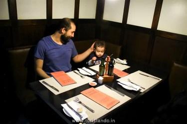 Turistandoin Santiago do Chile Restaurante Don Quijote 002 375x250 Onde comer bem em Santiago do Chile? Restaurante Don Quijote