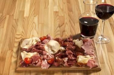 food 3330926 640 376x250 Italiano para Viagem: As etapas de uma refeição italiana (almoço e janta)